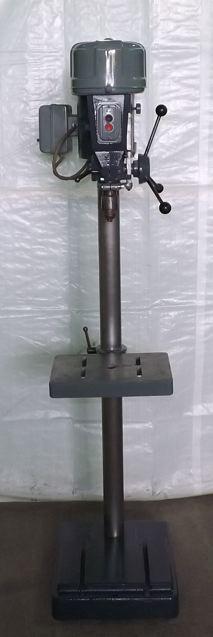 15 DELTA ROCKWELL     DRILL PRESS : Industrial Machinery, Machine