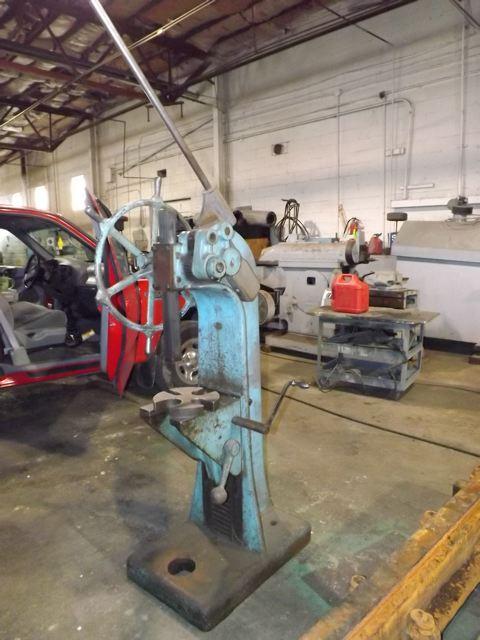 12 Ton Famco Ratchet Arbor Press Industrial