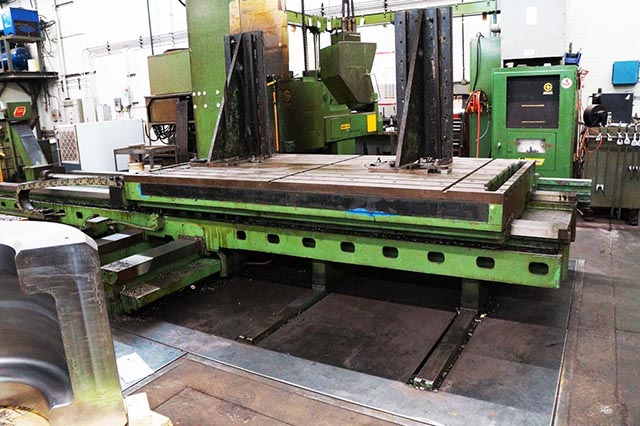 "5"" GIDDINGS & LEWIS ... CNC HORIZONIAL BORING MILL (PLAIN TABLE) - Click Image to Close"
